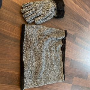 Accessories - Gloves and scarf set